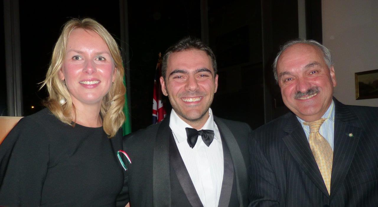The Italian tenor Rocco Speranza between Svetlana Zazo and the Argentinean ambassador Pedro Villagra Delgado