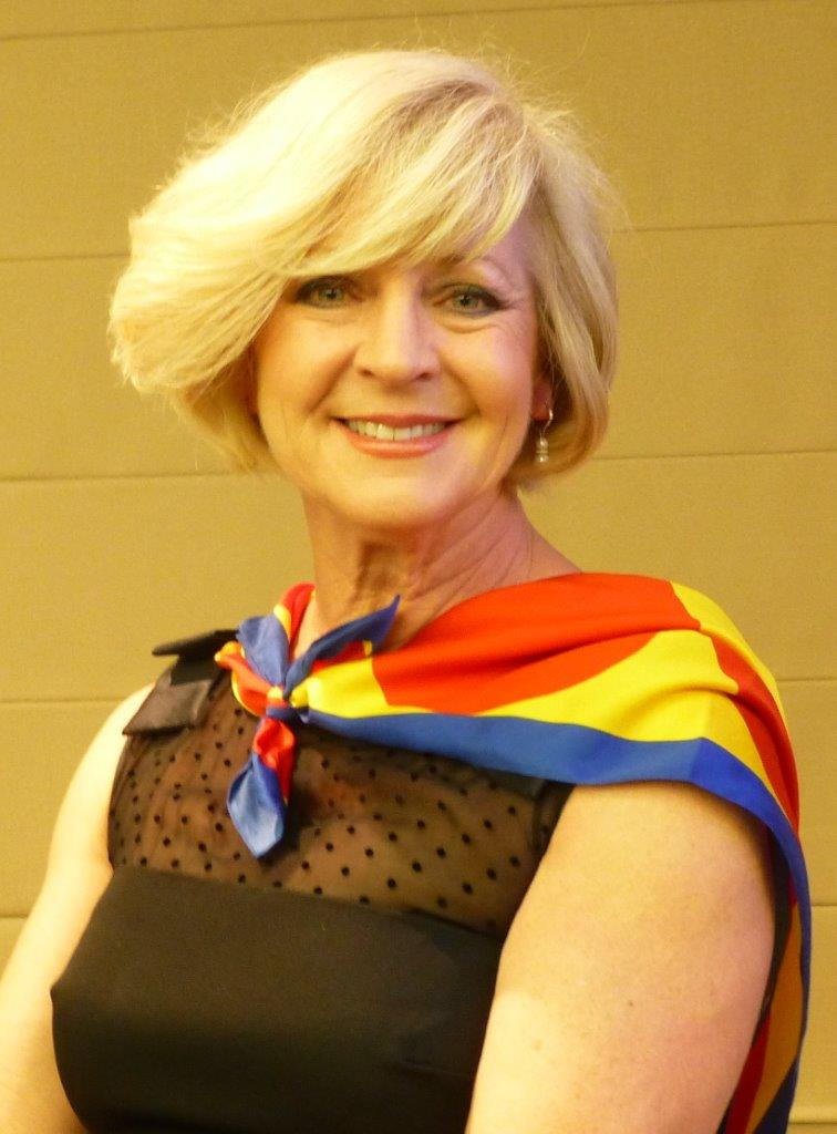 Lyndall Heddle, wearing the scarfe from her Siena contrada