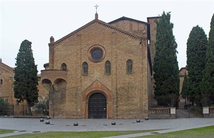Il più antico presepe dell'epoca medievale si trova nella Basilica di Santo Stefano a Bologna