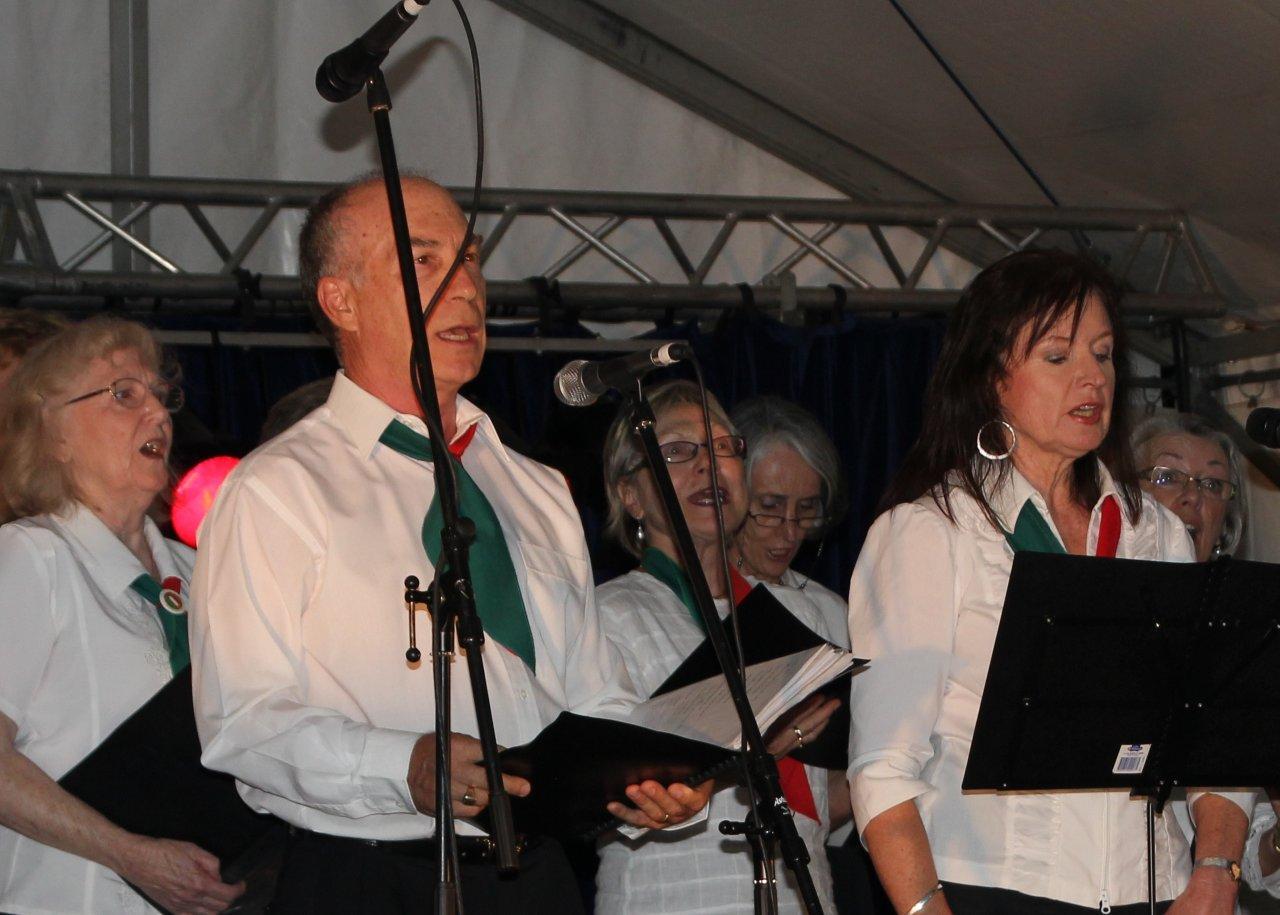 Virginia Banyard and Livio Chicco sing Libiam
