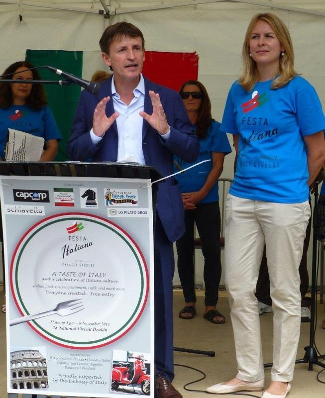 L'ambasciatore italiano a Canberra, Pier Francesco Zazo apre ufficialmente la Festa Italiana