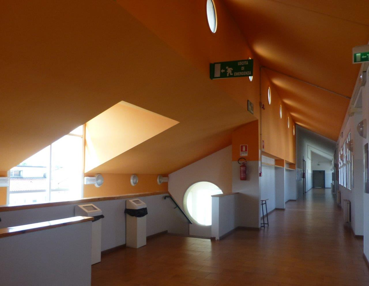 One of the corridors of the Maniago (Friuli) high school designed by Aldo Giurgola