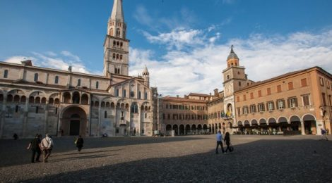 "Modena: ""fermissima et Splendidissima"""