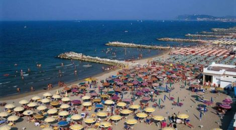 Estate in Italia: (quasi) tutti al mare